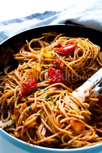 roasted peppers spaghetti in a pan