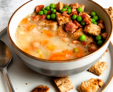 Easy Recipe for Super Tasty and Hearty Yellow Pea Soup with Pancetta (Czech Style)
