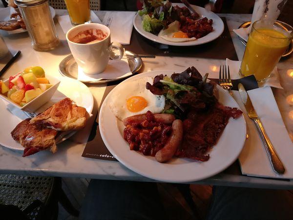 Breakfast at Cafe Cafe - Visiting Prague