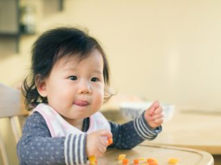 when to start eating baby food
