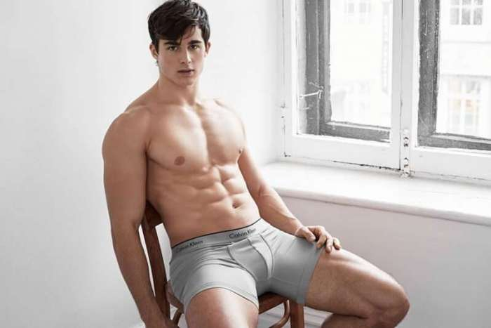pietro-boselli-2016-simons-underwear-photo-shoot-016-800x533
