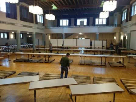 Tischaufbau das die Bäume ein Stück höher kamen