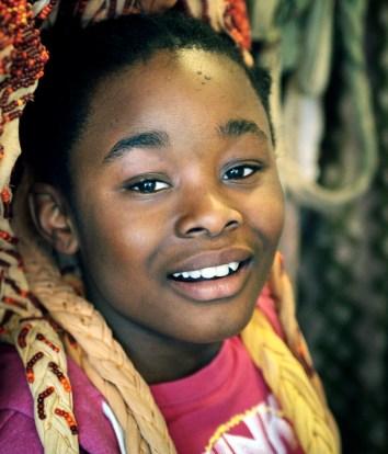 Serena Lasakis (9) Eltern kommen aus Nigeria. Sie spielt das Löwenmädchen Nala.