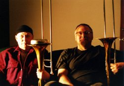 J.A. Deane and Michael Vlatkovich   4 april 2002   Photo: Mark Weber   click to enlarge...