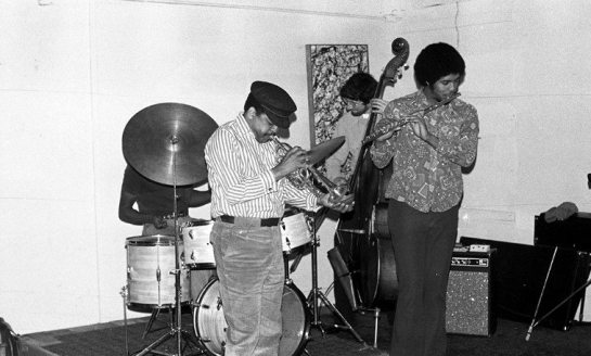 Bobby Bradford, cornet; Mark Dresser, bass; James Newton, flute -- January 2, 1977 -- Sunday afternoon jam session at Little Big Horn -- photo by MW
