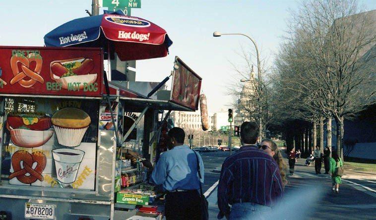 4 p.m. Pennsylvania Avenue -- March 19, 1995 -- Washington DC -- photo by Mark Weber