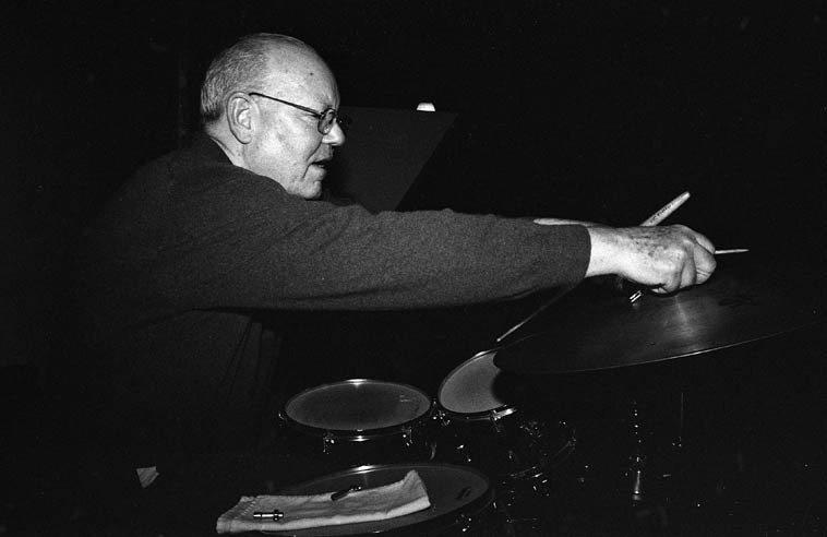 Bill Chattin with Kazzrie Jaxen Quartet -- November 16, 2o14 -- photo by Mark Weber