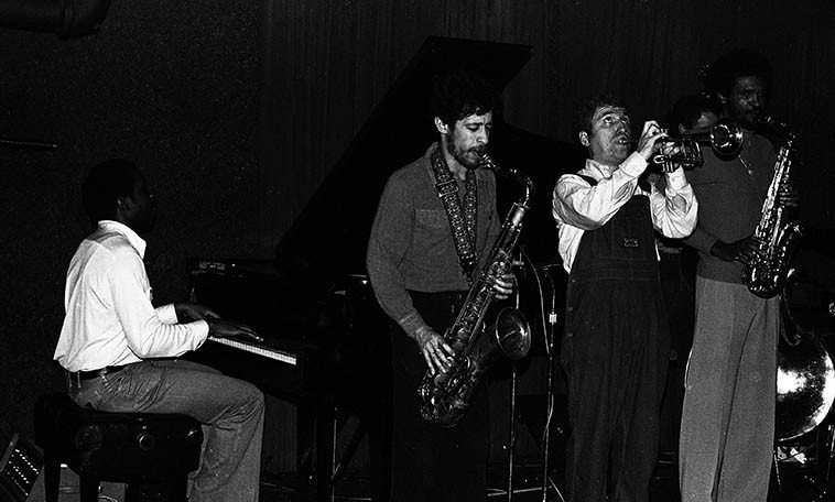 The Jazz Messengers at Rumsey's place -- January 17, 1980 Redondo Beach, California --  Art Blakey, drums; David Schnitter, tenor; James Williams, piano; Bobby Watson, alto; Valerie  Ponomarev, trumpet; Dennis Irwin, bass -- photo by Mark Weber ---- I think Blakey was the loudest  drummer I've ever heard