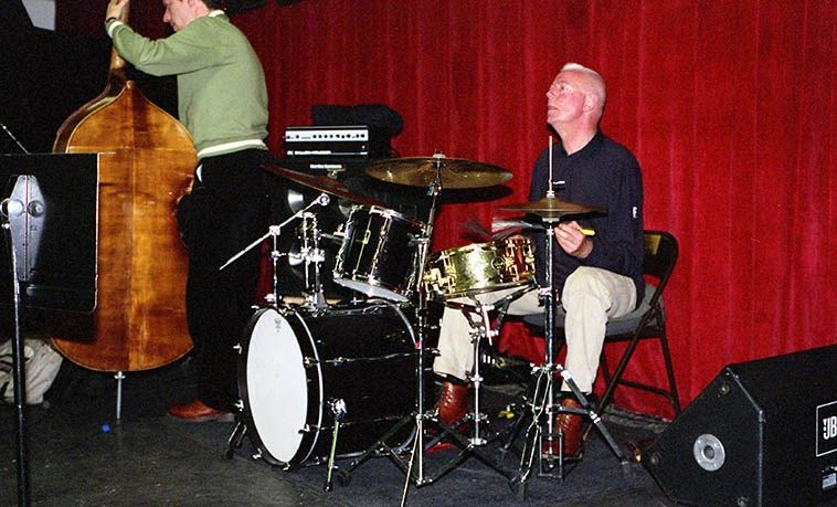 Well, apparently Han Bennink doesn't roll up his pant leg for soundchecks -- ICP at Outpost Performance Space, Albuquerque -- March 17, 2oo3 -- Ernst Glerum, bass -- photo by Mark Weber