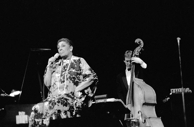 Carmen McRae -- April 10, 1987 -- Cleveland, Ohio -- (I didn't catch the bass player's name) -- photo by Mark Weber