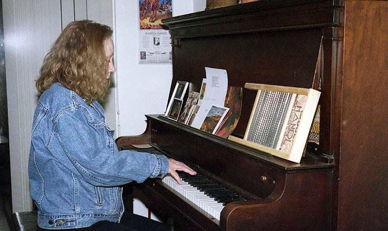 Connie Crothers at Studio 725, Albuquerque -- March 25, 2001 -- photo by Mark Weber -- the Connie Crothers Memorial will be 5 hours of live music at Roulette, Brooklyn, November 13, 2o16 -- I'll be there
