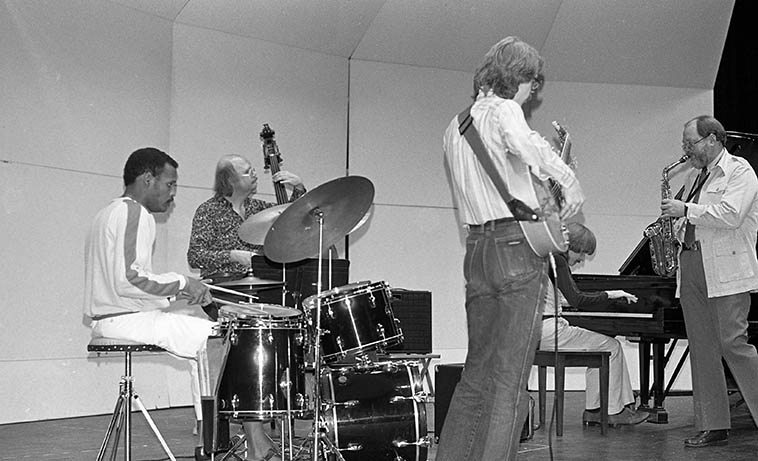 Gary Foster-Alan Broadbent Quintet at Chaffey College, Alta Loma, California -- April 19, 1980 -- Steve Solder, drums; Putter Smith, bass; Danny Embree, guitar; Gary Foster, sax; Alan Broadbent, piano ---- photo by Mark Weber