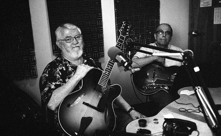 Live guitar duets on the Thursday jazz show at KUNM -- July 17, 2o14 -- Bill West & Vic Romanelli ---- Bill has spent most of his life underwater (in the Navy, on submarines), grew up in the Tri-State area of New York ---- Vic grew up on Staten Island and worked & retired from Sandia Labs here in Albuquerque, but that was just a side-line they were both caught up in, they're heart & soul mostly guitar players of the top order -----photo by Mark Weber, disk jockey