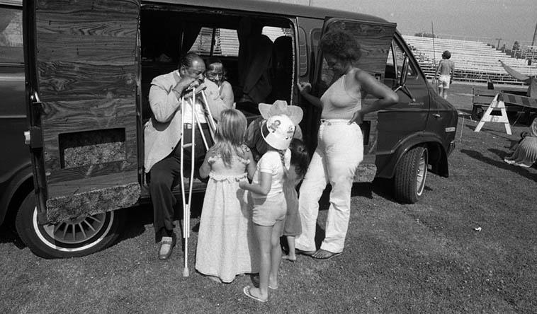 Big Joe Turner waiting to go on stage at KLON Blues & Gospel Festival, Long Beach, California – July 20, 1980 ---- that's Pee Wee Crayton's van ---- photo by Mark Weber