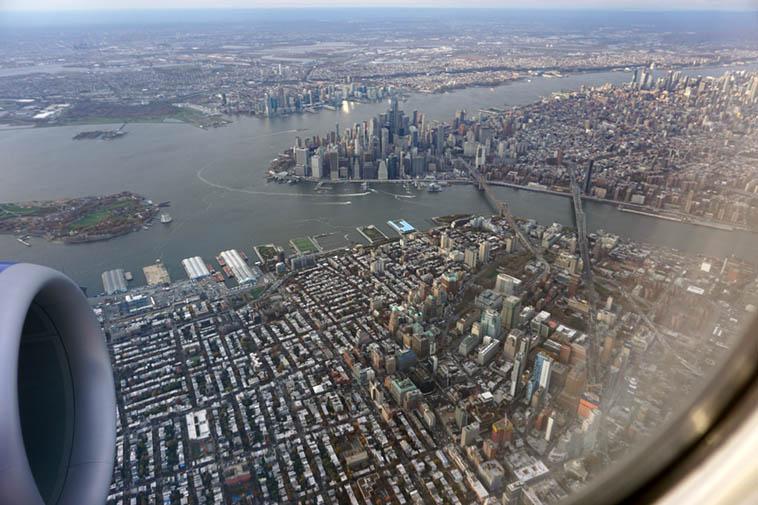 Flying into LaGuardia – November 14, 2o18 – photo by Mark Weber