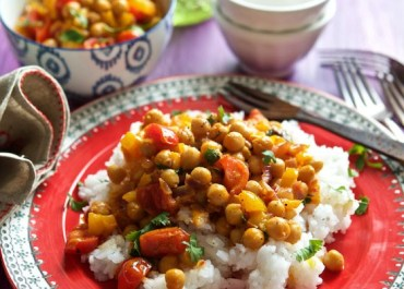 This Vegan Thai Chickpea Curry is a budget friend, delicious family meal. MarlaMeridith.com #vegan #recipe