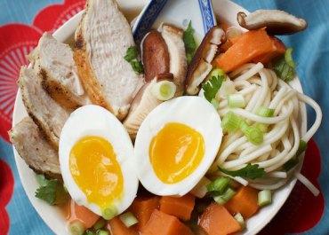 Miso Chicken Udon Soup recipe. Healthy & delicious! MarlaMeridith.com ( @marlameridith ) #soup