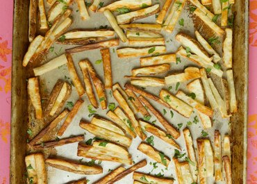 Quick, Easy & Crispy Baked French Fries