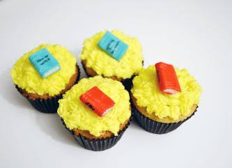 Lemon cupcake with Sugar craft books