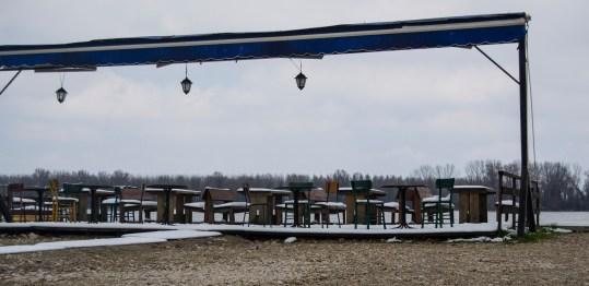 Esplanadas sobre o Danúbio. Certamente um bom investimento para os dias de primavera- verão