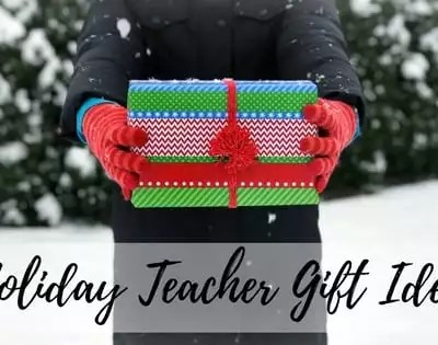 FREE Knit Cowl Pattern Holiday Teacher Gift Idea