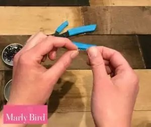 DIY Scrap Yarn Bracelet Photo Tutorial-Crimping