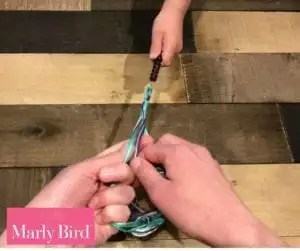 DIY Scrap Yarn Bracelet Photo Tutorial-Braiding