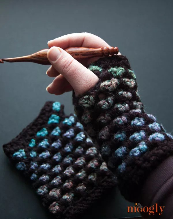 Moroccan Midnight Fingerless Mitts designed by Moogly-crochet fingerless mitts