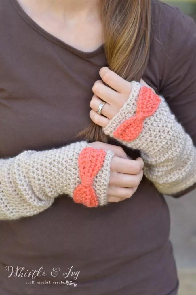 Dainty Bow Crochet Arm Warmers-FREE Crochet Fingerless Mitts