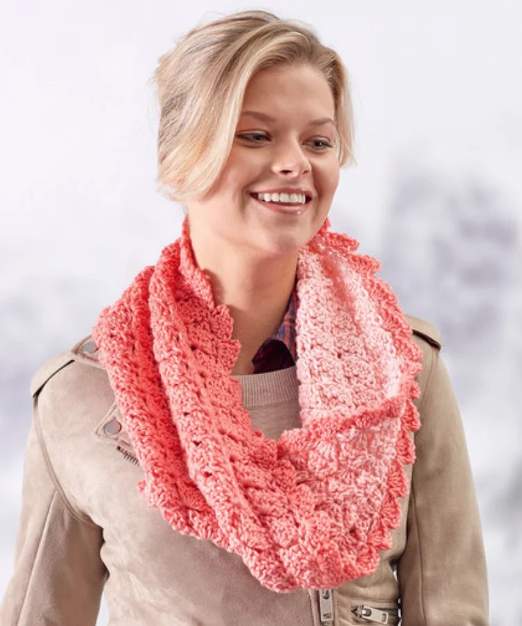FREE Crochet Sweet Shells Twisted Cowl-Pantone color of the year Living Coral
