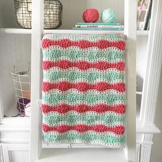 FREE Crochet Mint and Coral Single and Double Crochet Blanket-using Pantone color of the year Living Coral