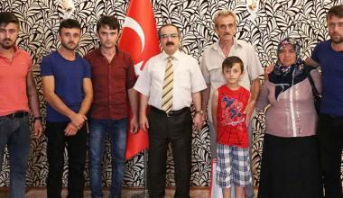Şehit Keleş'in Ailesi Vali Coş'u Ziyaret Etti