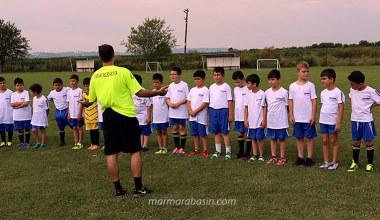 Serdivan Yaz Futbol Okulu Yeşil Sahalarda
