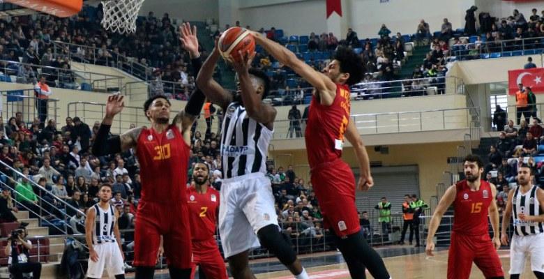 Sakarya Büyükşehir Galatasaray'a mağlup oldu