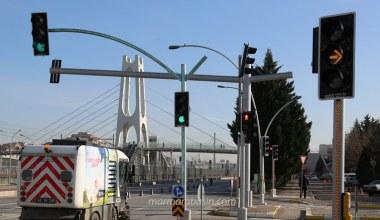 Yeni nesil trafik lambaları kural ihlallerine dur diyecek