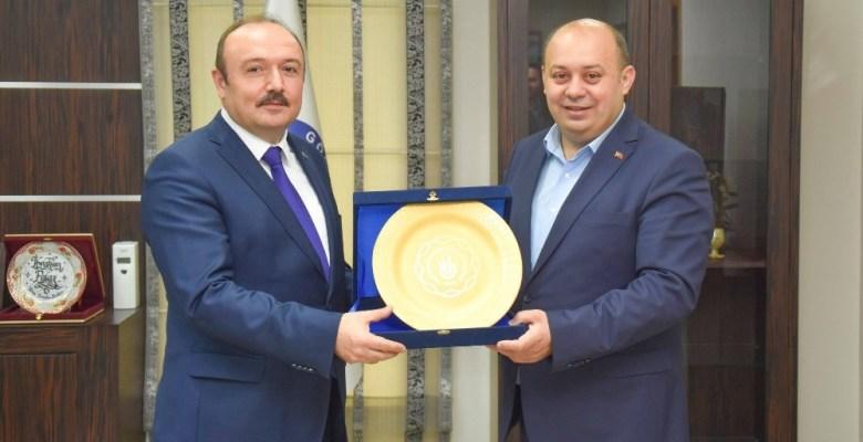 """Rektör Özdemir : """"Gönen sağlık kenti olacak"""""""
