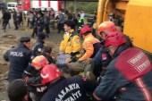 Sakarya'da toprak altında kalan vatandaş kurtarıldı