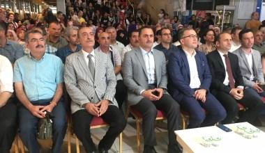 Başkan Haydar Ali Yıldız, öğrencilerin karne heyecanına ortak oldu