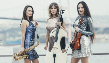Trio'ya Şov Kattılar