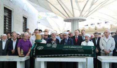 Cumhurbaşkanı Erdoğan, Prof. Dr. Emin Işık'ın cenazesine katıldı