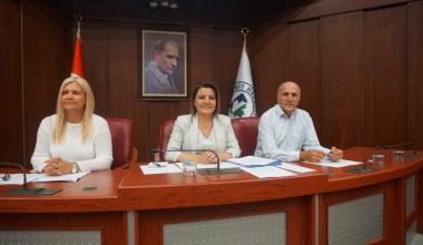 İzmit Belediyesi yeni müdürlük kurulması komisyona kaldı