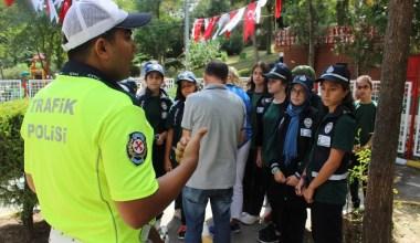 Başkan Aydıner, gönüllü minik zabıta ekibiyle denetime çıktı