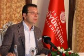İmamoğlu, gazetecilerin gündeme ilişkin sorularını yanıtladı