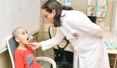 Küçükçekmece'de ücretsiz diş taraması başladı