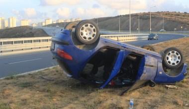 Otomobil takla attı kadın sürücü yaralandı
