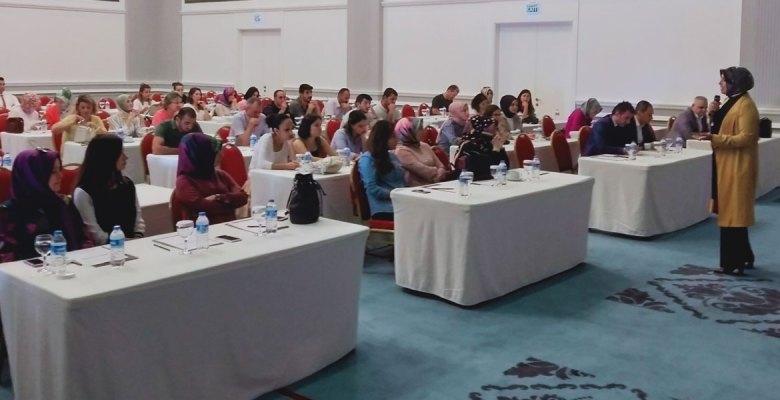 Rehber Öğretmenlere 'Mutluluk ve Başarının Psikolojisi' Eğitimi