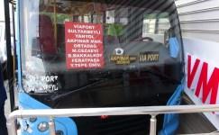 Yolcu dolu minibüs önce kamyonete ardından duvara çaptı: 2 yaralı