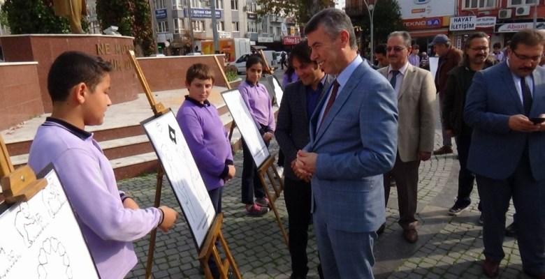 Edremit'te ilk karikatür sergisi açıldı