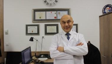 Parkinson hastaları beyin pili ameliyatı için Türkiye'ye geliyor