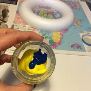 mélange peinture jaune+bleu